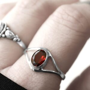 blood red garnet cut stone sterling silver ring
