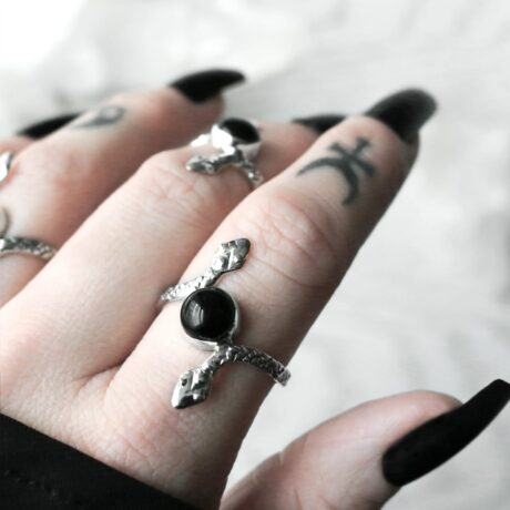 duo-serpent-snake-onyx-rings-hellaholics