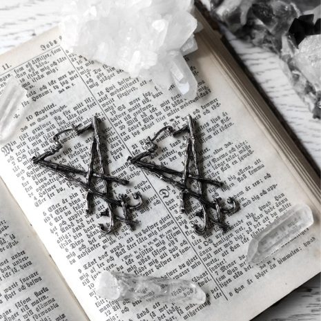 lucifer-sigil-earrings-restyle-sold-hellaholics