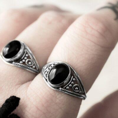 Aelia onyx silver ring.