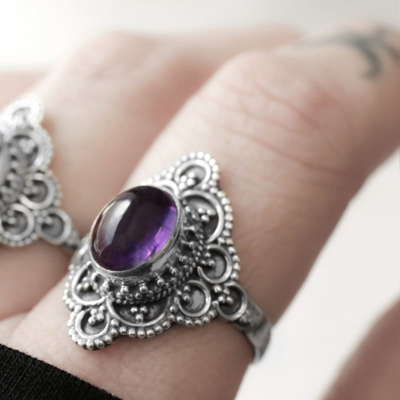 Elodia silver ring with purple amethyst crystal.