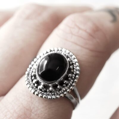 Nathalia sterling silver ring with an onyx crystal stone.