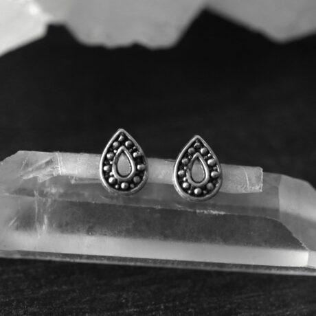 drop-silver-stud-earrings-hellaholics