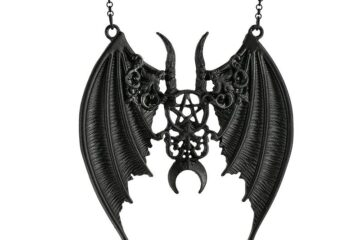 Black gothic Maleficent necklace with batwings from Restyle