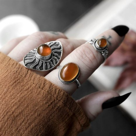 gaia-amber-sterling-silver-ring-mix-hellaholics (1)