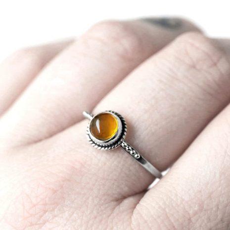 thyra-amber-silver-ring-close-up-hellaholics