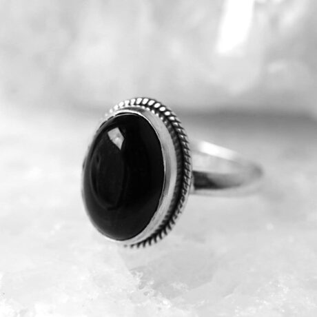 gaia-black-onyx-silver-ring-close-up-hellaholics(1)