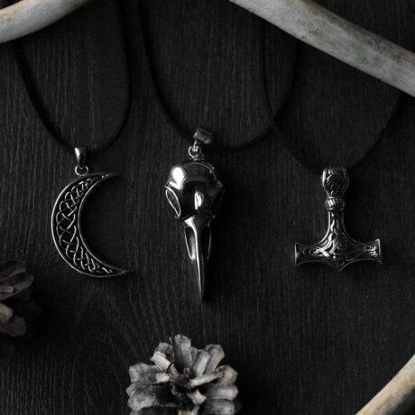 norse-crescent-moon-bird-skull-thors-hammer-statinless-steel-necklaces-hellaholics