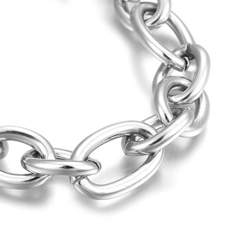 chrissie-chunky-stainless-steel-chain-bracelet-hellaholics-close-up