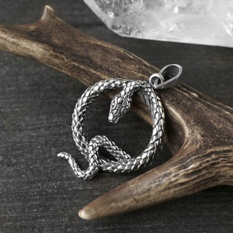 the-queens-serpent-silver-pendant-hellaholics